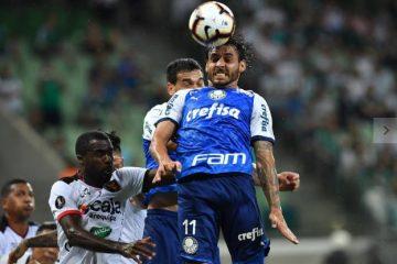 E meio a crises técnica e financeira, Cruzeiro cai pela primeira vez