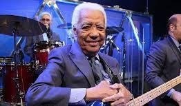 LUTO: Bira, baixista do programa do Jô Soares, morre em hospital em SP