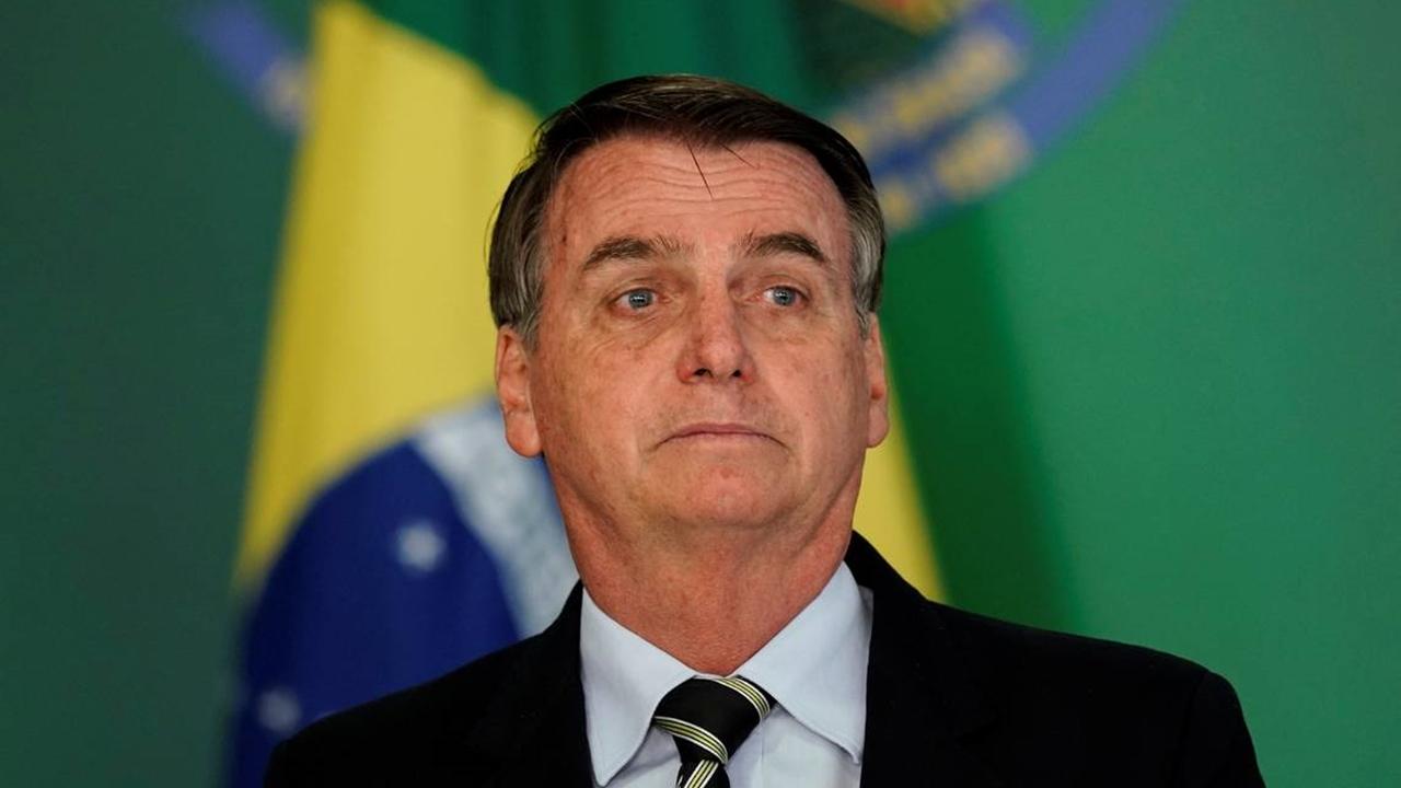 eleitores pulam barco bolsonaro - Bolsonaro faz imitação de Lula no anúncio de veto a projeto sobre infância