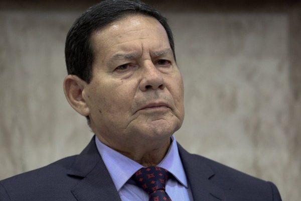 general mourao 600x400 - Bolsonaro recua e decide enviar Mourão à posse de Fernández na Argentina