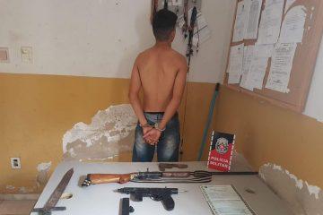 img 20191212 wa0001 360x240 - Jovem é detido por posse ilegal de arma e Polícia encontra submetralhadora e espada na residência