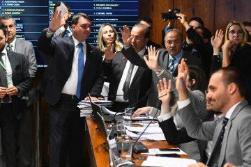 Justiça suspende punição a deputados bolsonaristas do PSL, e cargos podem ter reviravolta