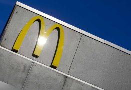 Mulher apontou arma a funcionários do McDonald's por causa de ketchup