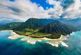 Helicóptero de turismo desaparece no Havai com sete pessoas a bordo