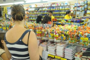 pais 360x240 - Pais formam grupo e fazem compra coletiva para economizar nos materiais escolares