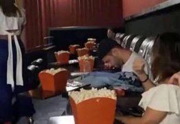 Anitta é flagrada com suposto novo affair em cinema