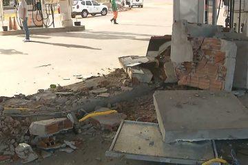 posto cofre roubado 360x240 - Grupo usa caminhão para derrubar parede e roubar cofre de posto de combustível, na PB