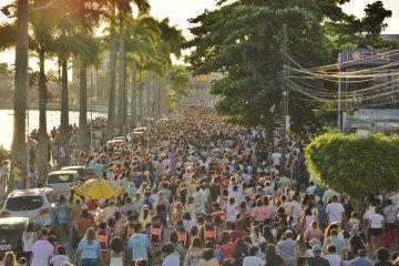 procissao3 360x240 - Festa de Nossa Senhora da Conceição atrai uma multidão pelas ruas de Campina Grande