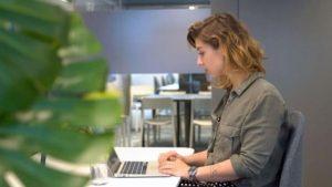 trabalho emprego desemprego capacitacao profissional escritorio mercado de trabalho 1577543331052 v2 900x506 300x169 - Conheça o país onde ser demitido pode ser algo muito bom