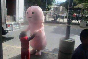 xblog penis.jpg.pagespeed.ic .u5iN77vEaX 360x240 - Mascote anti-HIV com forma de pênis é banido de cidade