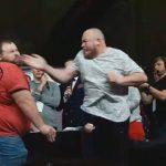xblog slap.jpg.pagespeed.ic .zPXWu9NuH1 150x150 - Campeão mundial de tapa no rosto é nocauteado pela primeira vez - VEJA VÍDEO