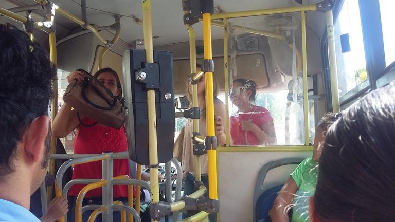 nibus - FRAUDES NOS ÔNIBUS: Portadores de necessidades especiais estão repassando cartão com direito a gratuidade para passageiros sem deficiência