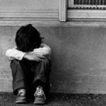 1 a ba menino chorando 150x150 - Mulher é presa após deixar filha de 3 anos sozinha em casa, em Campina Grande