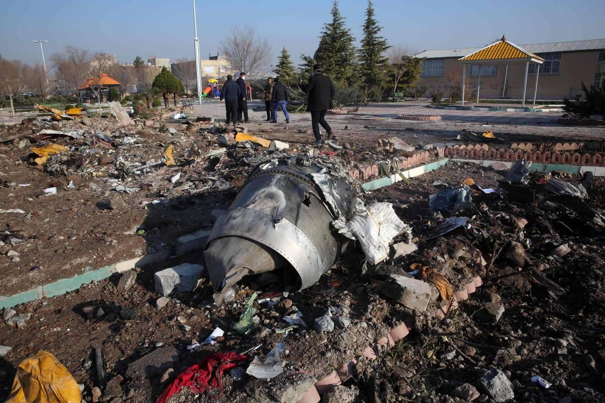 15785903285e176078ab5f4 1578590328 3x2 xl - Avião ucraniano foi derrubado pelo Irã por acidente, dizem Canadá, Reino Unido e agentes dos EUA