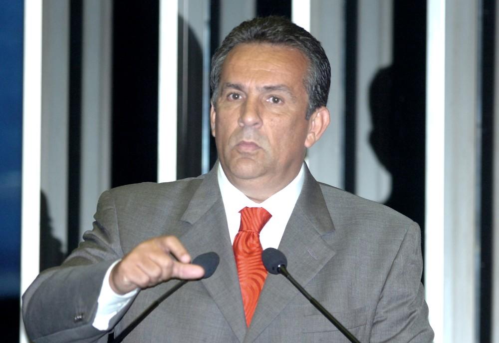 1829397103 - R$ 1,5 MILHÃO: PF prende ex-senador em investigação sobre suspeita de caixa 2