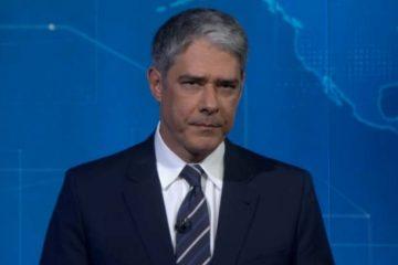 """Willian Bonner lê nota ao vivo onde Globo afirma que Regina Duarte terá que pedir """"suspensão"""""""