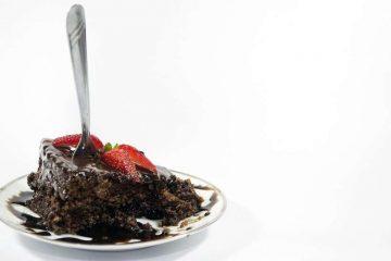Mulher morre em concurso para comer bolos na Austrália