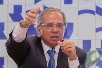 49055822882 59d104f889 c 360x240 - 'IMPOSTO DO PECADO': Paulo Guedes diz que governo estuda uma cobrança adicional sobre produtos como cigarro, álcool e doces