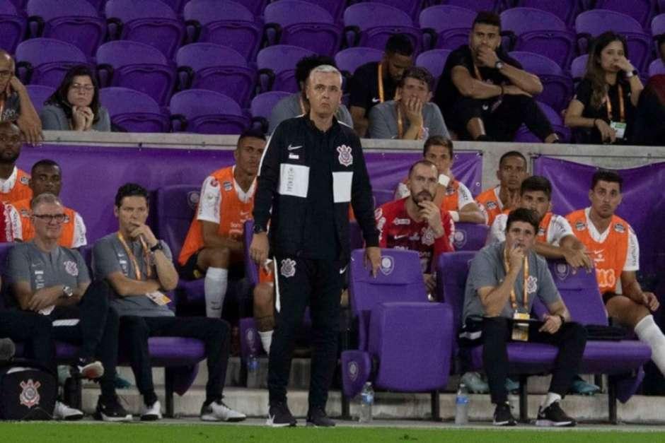 5e205e2dc76ff - Diretoria do Corinthians trabalha duro para conseguir contratação de atacante Rony