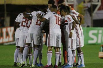 5e21186fad459 360x240 - São Paulo elimina o Coritiba e está nas quartas de final