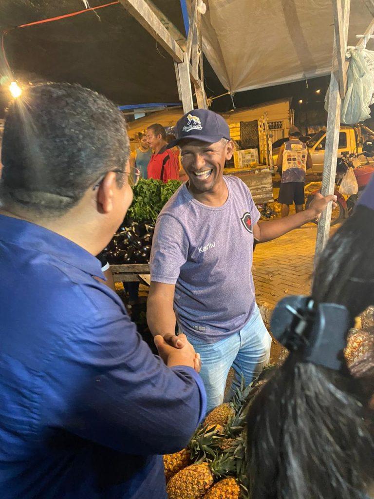 6b5ed955 794d 48ea 866b 9a3a48b13530 768x1024 - ESTREITANDO LAÇOS DE AMIZADE: Nilvan Ferreira visita a Feira de Jaguaribe e recebe carinho do povo pessoense - VEJA VÍDEO