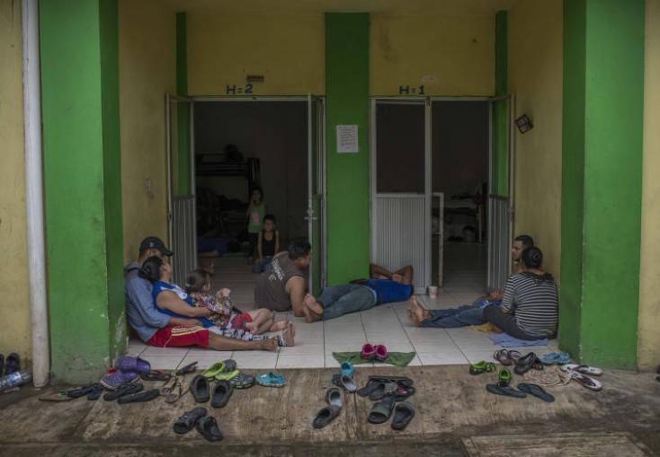 EUA cogitam enviar imigrantes brasileiros irregulares para o México