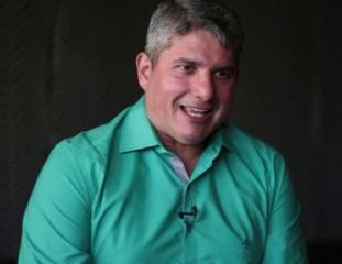Capturar 44 311x240 - TRIBUNA LIVRE: Gernand Lopes é o novo apresentador da TV Arapuan; VEJA VÍDEO