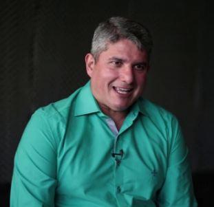 Capturar 44 - TRIBUNA LIVRE: Gernand Lopes é o novo apresentador da TV Arapuan; VEJA VÍDEO