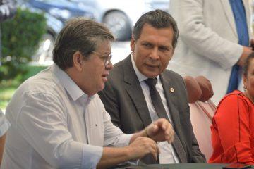 WhatsApp Image 2019 05 22 at 10.43.28 360x240 - GARANTIDO O LÍDER: João mantém socialista Ricardo Barbosa como 'cabeça' do governo na ALPB