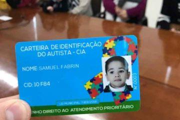 WhatsApp Image 2019 10 03 at 15.27.50 360x240 - Casa da Cidadania em Campina emite carteira de identificação de pessoas autistas