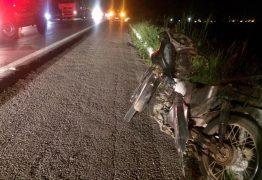 Acidente entre carro e motocicletas deixa dois homens feridos na BR-230