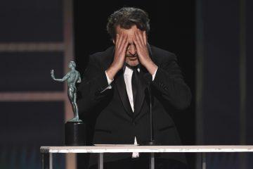 ap20020139745631 360x240 - Joaquin Phoenix, ator de 'Coringa', leva prêmio do Sindicato dos Atores