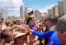 Bolsonaro aproveita sábado em Praia Grande e surpreende banhistas com interação – VEJA VÍDEO