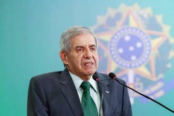 brasil politica augusto heleno 20190102 006 copy 1 360x240 - FANTÁSTICA: General Augusto Heleno comemora reação popular contra fala de Alvim