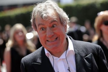 britain terry jones fran 360x240 - Terry Jones, do 'Monty Python', morre aos 77 anos