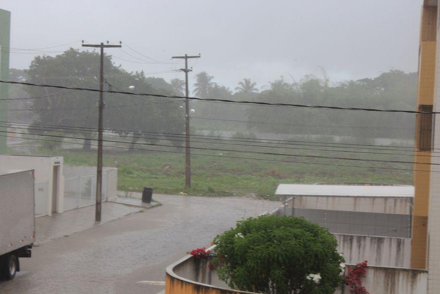 chuva2 foto walla santos - Inmet alerta para perigo potencial de chuvas intensas em 85 cidades da Paraíba