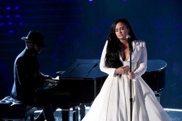 Grammy 2020: Demi Lovato chora em sua volta à música após overdose