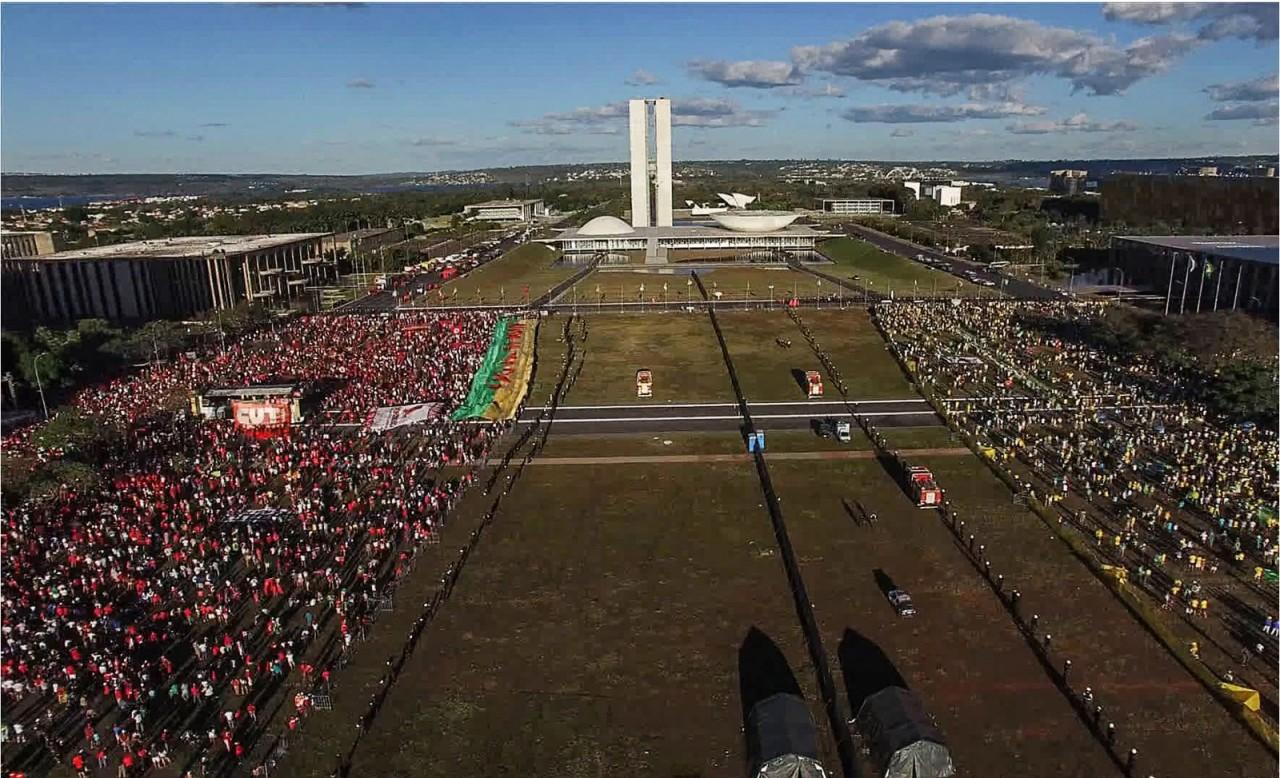 democracia em vertigem - 'FILME POLÍTICO': cineasta paraibano comemora indicação de 'Democracia em Vertigem' ao Oscar