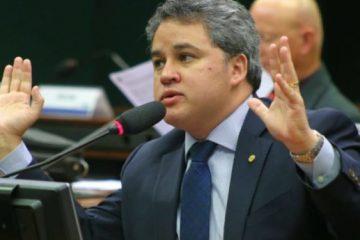efraimfilho 750x375 360x240 - PERGUNTAR NÃO OFENDE: o PDT irá continuar 'paquera com o DEM' visando a PMJP mesmo após delação de Burity citando Efraim Filho?