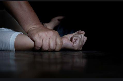estupro - ESTUPRO: Idoso de 70 anos é preso após sair de motel com adolescente de 12 anos