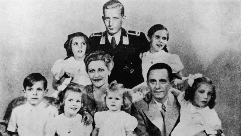 O mórbido suicídio de Goebbels e seus filhos após a morte de Hitler