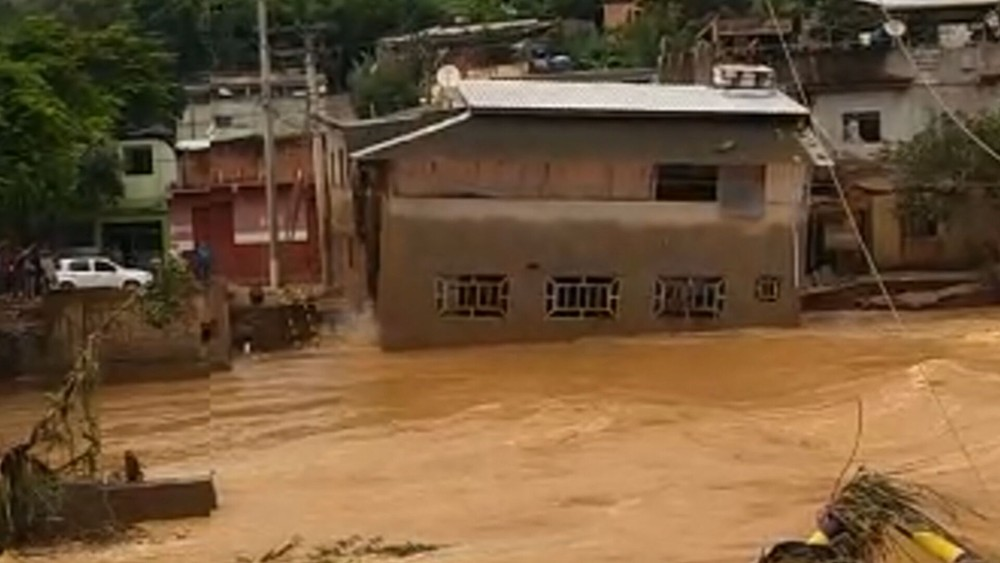 g1 desaba raul soares - Temporais em Minas Gerais: homem relata a sensação de ver sua casa de 2 andares levada pela chuva - VEJA VÍDEO
