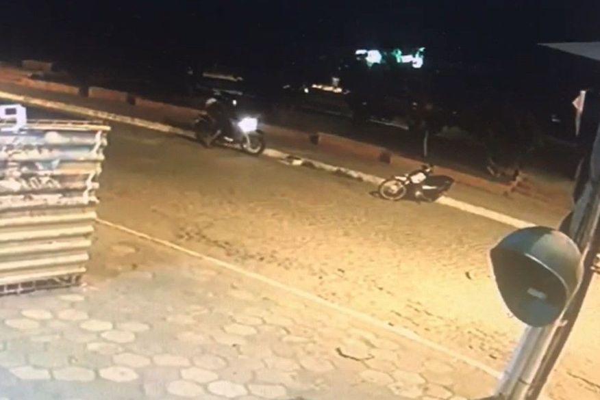 homicidio   catole do rocha - Câmeras de segurança flagram momento em que duas jovens são assassinadas em Catolé do Rocha - VEJA VÍDEO