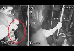 Ladrão se fere ao puxar arma para assalto em ônibus – VEJA VÍDEO