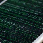 iPhone hacking 150x150 - Software de privacidade da Apple permitia que usuários fossem rastreados, diz o Google