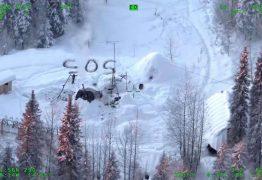 Homem sobrevive semanas no Alaska e é encontrado após escrever SOS na neve