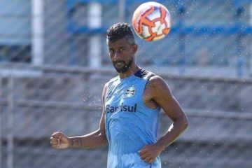 Botafogo-PB define prazo para encerrar negociação com Léo Moura