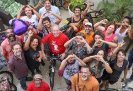 PEDALANDO POR LULA: Petistas da Paraíba e Pernambuco pedalam em João Pessoa em apoio a Lula