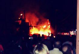 Estofaria em Bayeux é atingida por incêndio após curto circuito