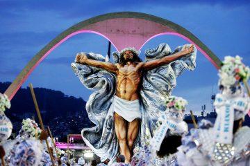 jesus carnaval 360x240 - POLÊMICA DIVINA: 'Jesus Cristo da Mangueira' agita Carnaval antes da folia começar
